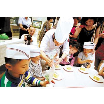 促进大众化餐饮持续健康发展